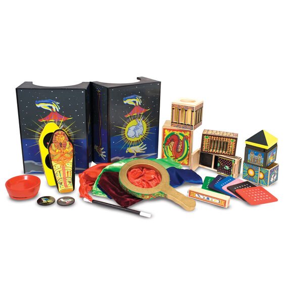 Contents of magic set presented outside of package